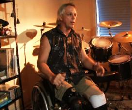 Tulio Fuzato. O Baterista amputado – Uma história de reabilitação e superação através da música